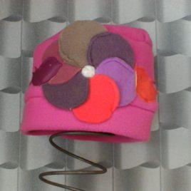 Bonnet tout mignion grosse fleur et cui-cuis