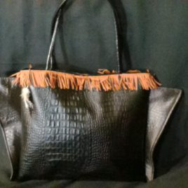 Sac croco, petite touche indienne franges/plume