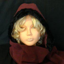 Jolie écharpe avec capuche incorporée
