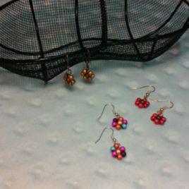 Boucles d'oreilles petite fleur de perles
