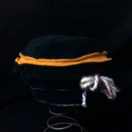 Béret original et son décor fil laine et filigrane sur le côté 08