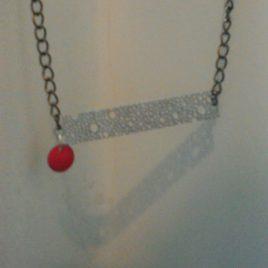 Collier pendentif sequin émaillé  et estampe inox